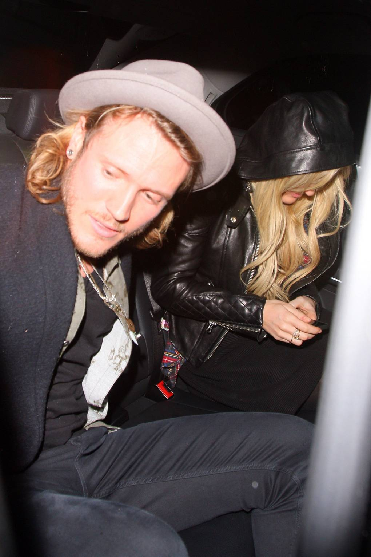 927b62dd2ea Ellie Goulding Dougie Poynter Split Rumours – News   Photos