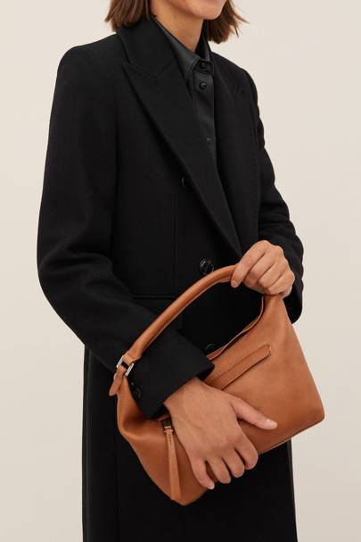 Mango Black Friday: The classic bag