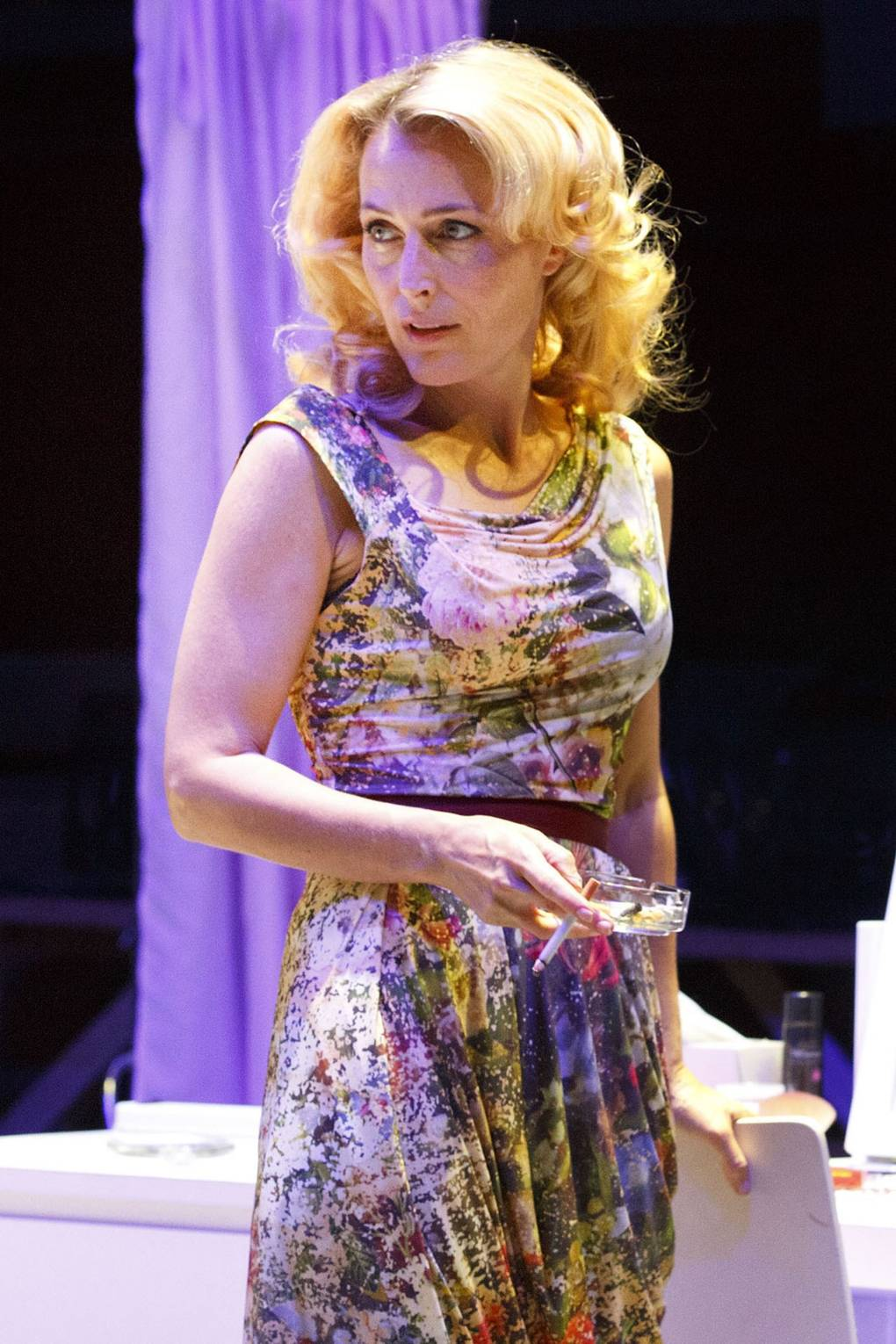Gillian Anderson wins best actress award for A Streetcar Named ...