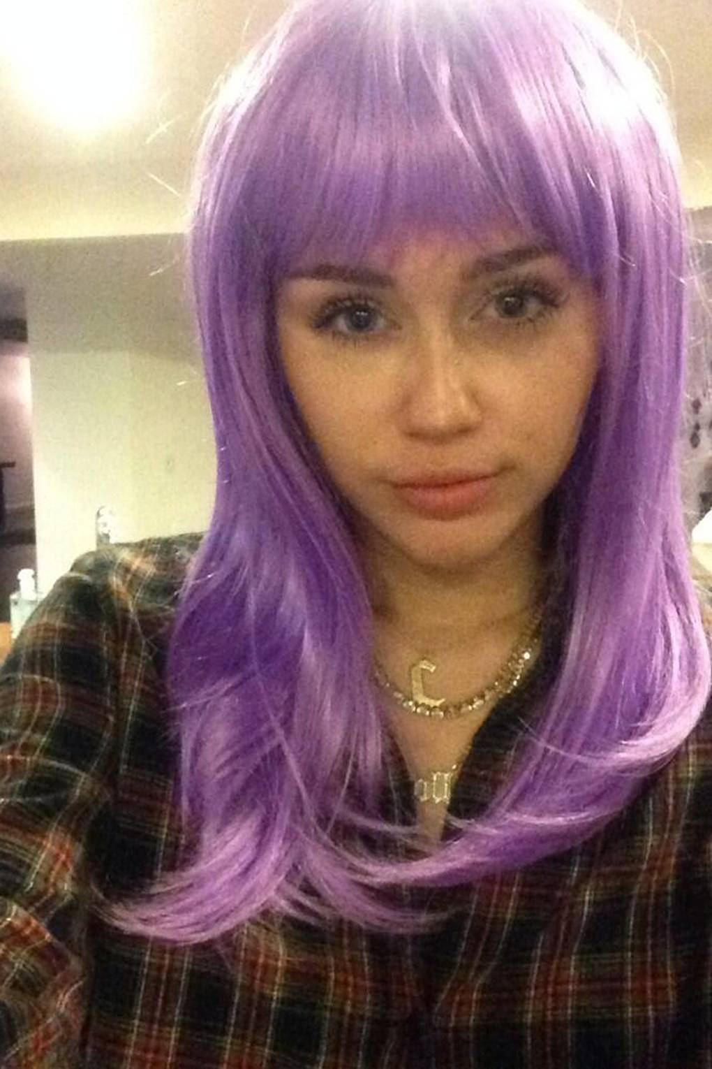 Miley Cyrus Hairstyles Best Hair Makeup Beauty Looks Glamour Uk