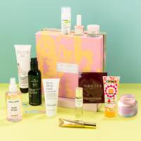 Best Mother's Day Gifts: the beauty box