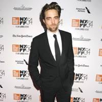 2. Robert Pattinson (No Movement)