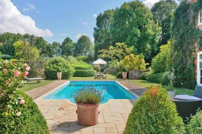 Best holiday home with swimming pool and hot tub