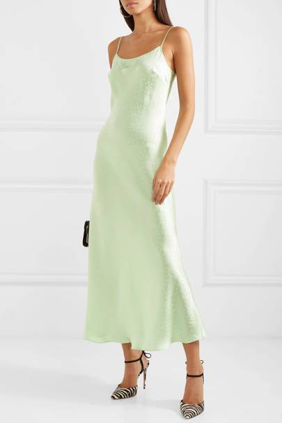 166187f73e2 Chic Spring Wedding Guest Dresses - What To Wear To A Wedding In ...