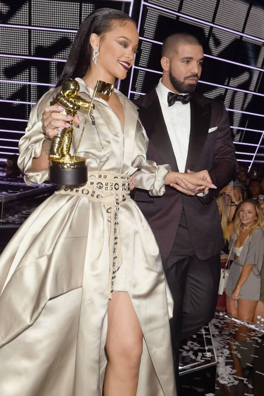 Rihanna and Drake Dating: VMAs Hug & Relationship News