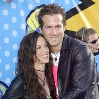 Ryan Reynolds and Alanis Morissette make a cute couple