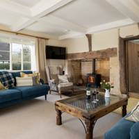 Best dog friendly Cotswolds Airbnb