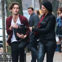 Penn Badgley & Uma Thurman in The Slap