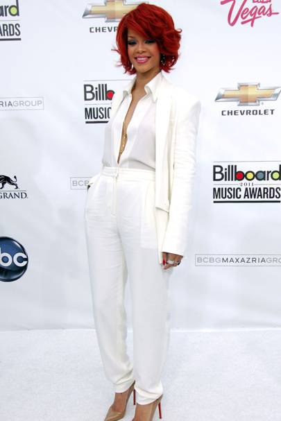 Rihanna - Suit To Suit