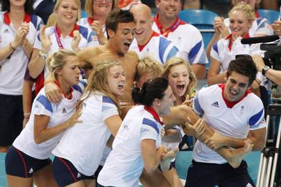 Tom Daley shows the world how to celebrate