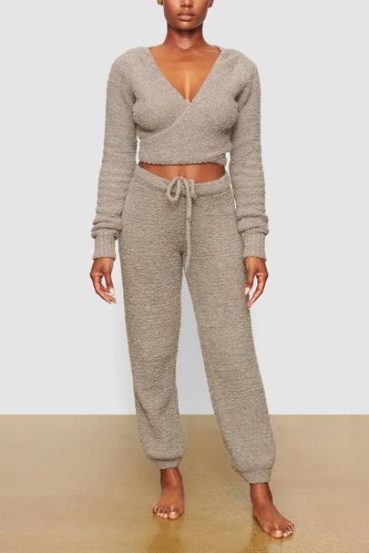 Skims Loungewear: the joggers
