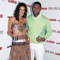 2005: Usher and Teri Hatcher Flirting