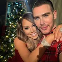 Mariah Carey calls in glam squad for Christmas tree reveal (obvs)