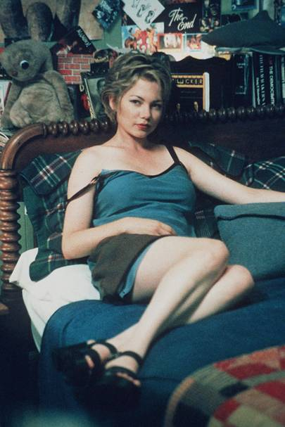 Following A Few Early Roles On Us Television Michelle Williams Burst Onto Uk Screens As Sexy New Girl Jen Lindley In Dawsons Creek In 1998 The Nemesis