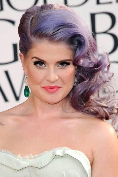 Side-Swept Glamour: Kelly Osbourne