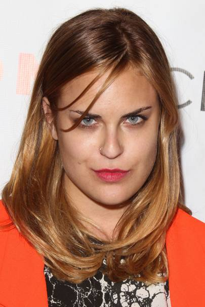 Demi Moores Daughter Tallulah Willis Has Shaved Her Head Photos - Bald hairstyle 2014