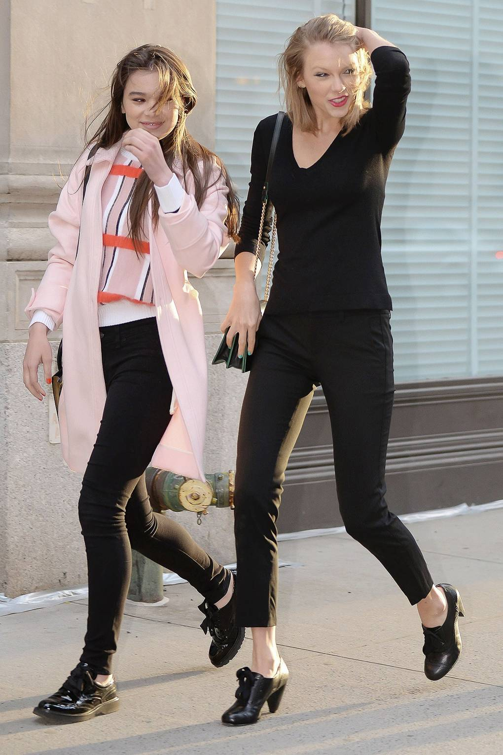 Taylor Swift And Hailee Steinfeld Friendship Pictures 2014 Glamour Uk