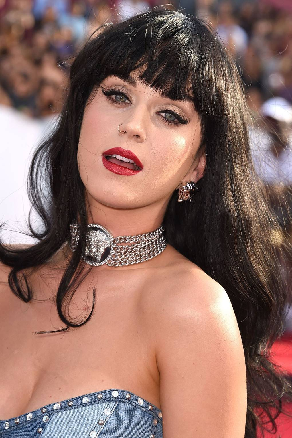 Katy Perry Tattoo Photos Of Her Hello Kitty Finger Tattoo Glamour Uk
