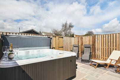 Best Airbnb With Hot Tub UK