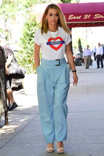 Rita Ora Stepped Out Wearing A T Shirt In Support Of The Grenfell Tower Residents The Star Was In London Over The Weekend To Record Next To Robbie Williams