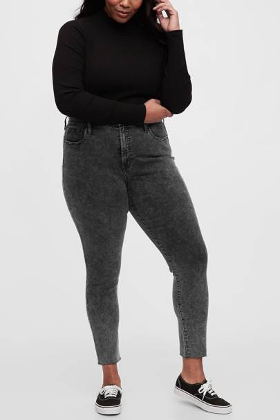 Best Jeans For Curvy Women: Secret Smoothing Pockets