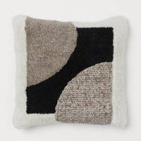 Gifts for sisters: the cushion