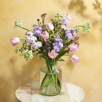 Long-Distance Relationship Gifts: the flowers
