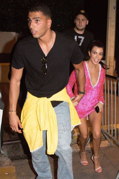 Who is kourtney kardashian dating in Sydney
