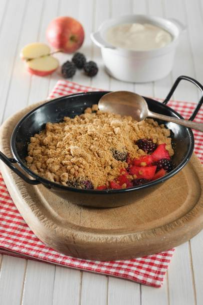 Healthy & Humble Apple & Blackberry Crumble
