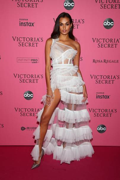 Gizele Oliveira at the Victoria's Secret Fashion Show