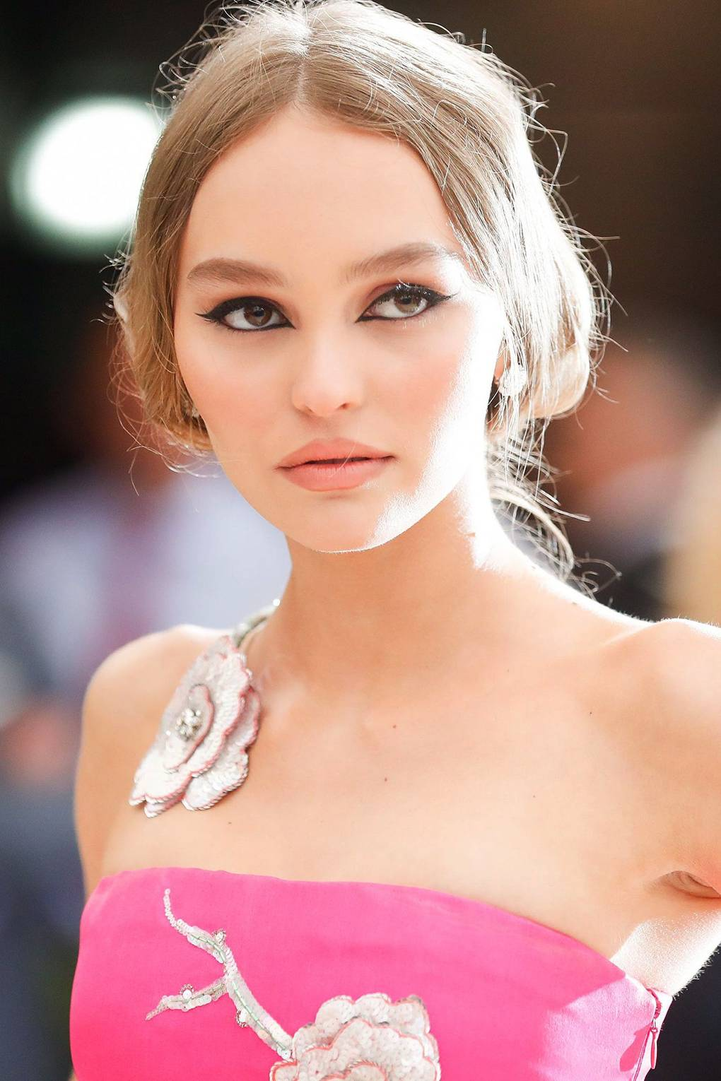 Lily Rose Depp hair & makeup - Best Beauty Looks 2017