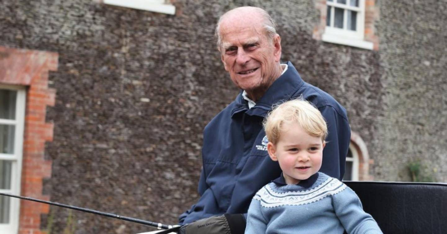 This photo of the Queen and Prince Philip with 7 of their great-grandchildren will melt your heart