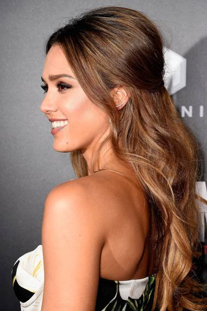 Jessica Alba's half-up, half-down 'do