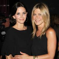 Courteney Cox & Jennifer Aniston