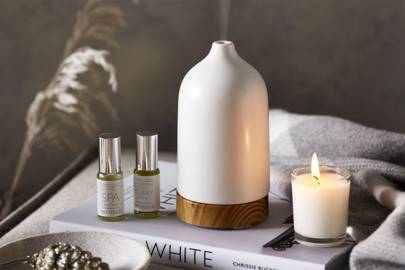 Unique Birthday Gifts For Sisters: the essential oil diffuser