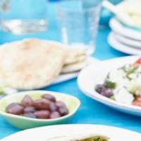 Pitta Pockets With Greek Chicken