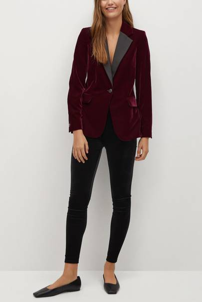 Mango Black Friday: The velvet blazer
