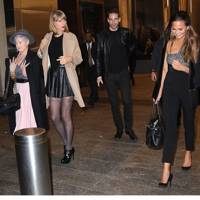 Kelly Osbourne, Taylor Swift, Chrissy Teigen
