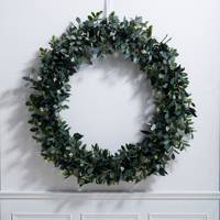 Best Christmas Wreaths: The White Company