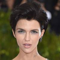 Short Hairstyle shorthairstyleswithlongbangs shortasymmetricalhaircut Were Obsessing Over Georgia Fowlers Lob These Au Naturel Curls Are Stunning The Vs Model Was In New York City For Her First Fitting Ahead Of The 2017