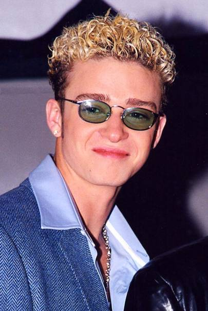 Justin timberlake best hairstyles 90s hair nsync glamour uk its 1998 at the billboard awards and nsync are in their prime as is justins bleach blonde curly sue locks did justin predict the ombre trend way back urmus Choice Image