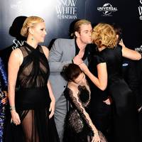 Liberty Ross, Kristen Stewart, Chris Hemsworth, Charlize Theron