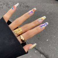 Doodle nails