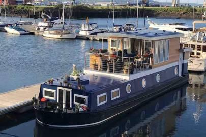 Houseboats to rent: Belfast, Northern Ireland
