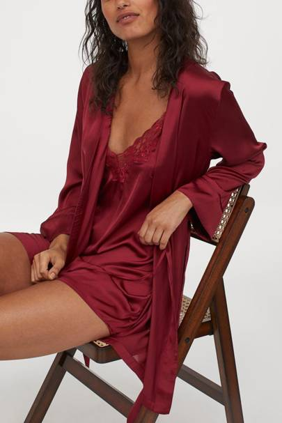 Bridesmaid robes: for the winter wedding