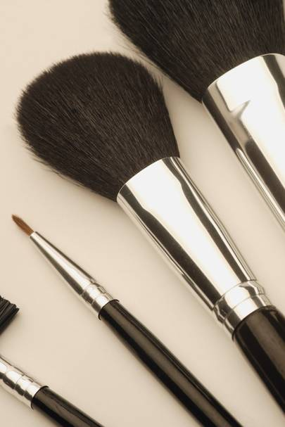 I WILL detox my make-up bag and tools