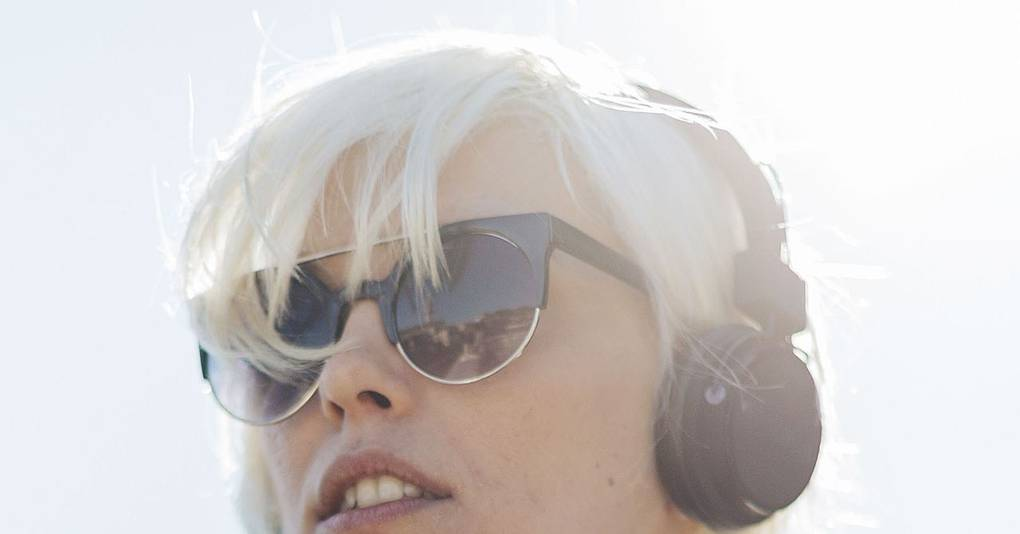 Dear dan bacon this is how you talk to a woman wearing headphones dear dan bacon this is how you talk to a woman wearing headphones glamour uk ccuart Gallery