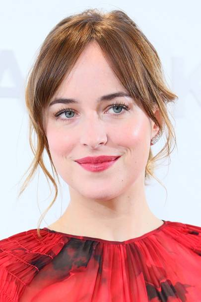 Dakota Johnson Best Beauty Hair Makeup Looks Glamour Uk