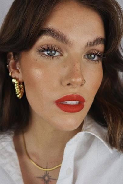 Summer red lip