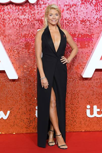 d918ffe2a5c0 Holly Willoughby Style and Best Outfits